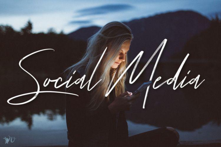social media prompt